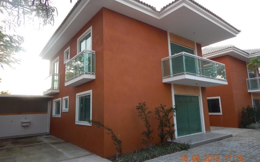 VENDA – Casa individual – condomínio fechado – Portinho – Cabo Frio
