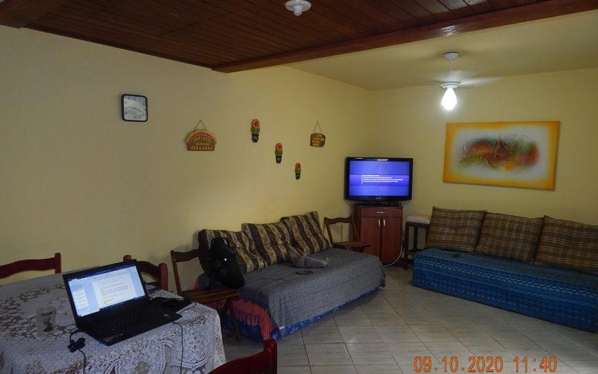 Casa em Condomínio Fechado na Chácara do Peró
